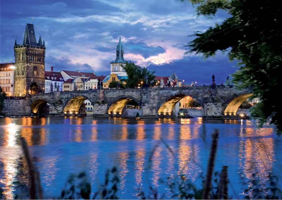 Prague Bridge - 1000 piece jigsaw puzzle